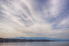 Παραλία Qualicum στο Νησί Βανκούβερ, με το Canadian Rockies μέσα Στοκ εικόνα με δικαίωμα ελεύθερης χρήσης
