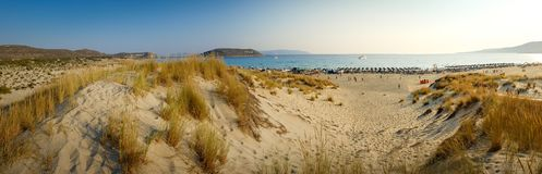 Παραλία Simos στο νησί Elafonisos στην Ελλάδα Το Elafonisos είναι ένα μικρό ελληνικό νησί μεταξύ της Πελοποννήσου και των Κύθηρα Στοκ φωτογραφία με δικαίωμα ελεύθερης χρήσης