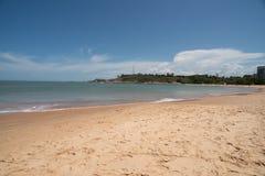 Παραλία Vitoria ES Bacutia σε Guarapari Βραζιλία στοκ φωτογραφία με δικαίωμα ελεύθερης χρήσης