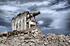 Παραμένει από την κατεδάφιση των εγκαταλελειμμένων κτηρίων Στοκ φωτογραφίες με δικαίωμα ελεύθερης χρήσης