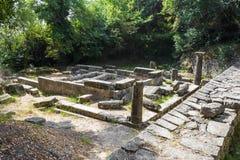 Παραμένει ενός δωρικού ναού στο πάρκο Mon Repos, πόλη της Κέρκυρας, Ελλάδα στοκ εικόνα με δικαίωμα ελεύθερης χρήσης