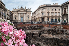 Παραμένει του ρωμαϊκού αμφιθεάτρου στην πλατεία Stesicoro, Catan Στοκ Φωτογραφία