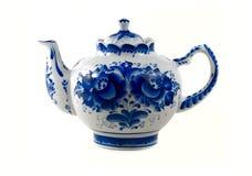 παρασκευάζοντας teapot Στοκ εικόνα με δικαίωμα ελεύθερης χρήσης