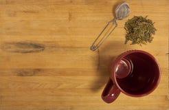 παρασκευάστε το χαλαρό έτοιμο τσάι Στοκ φωτογραφία με δικαίωμα ελεύθερης χρήσης