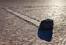 Παρασύρων βράχος σκιαγραφιών Στοκ φωτογραφία με δικαίωμα ελεύθερης χρήσης