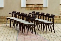Παραταγμένες έδρες Στοκ φωτογραφίες με δικαίωμα ελεύθερης χρήσης