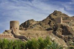 Παρατηρητήρια και τοίχοι και βουνά υπεράσπισης παλαιό Muscat στοκ φωτογραφία