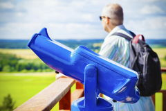 Παρατηρητήριο διοφθαλμικό, θεατής στο μπλε Στοκ Φωτογραφίες