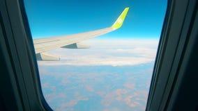 Παραφωτίδα ενός πετώντας αεροσκάφους με ένα φτερό σε το απόθεμα βίντεο