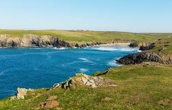 Παραλία αστείου της Polly δίπλα κόλπος Crantock Κορνουάλλη Αγγλία UK κοντά σε Newquay και στην πορεία νοτιοδυτικών ακτών στοκ φωτογραφία με δικαίωμα ελεύθερης χρήσης