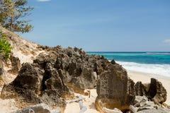 Παραλία βράχου παραδείσου στη Μαδαγασκάρη, Antsiranana, Diego Suarez Στοκ Εικόνες