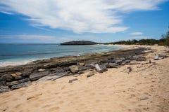 Παραλία βράχου παραδείσου στη Μαδαγασκάρη, Antsiranana, Diego Suarez Στοκ Φωτογραφία