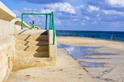 Παραλία βράχου το χειμώνα, Μάλτα Στοκ Εικόνες