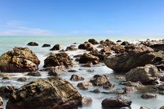 Παραλία βράχου Στοκ εικόνες με δικαίωμα ελεύθερης χρήσης