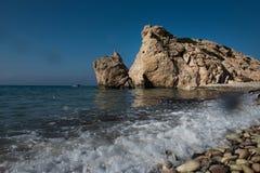 Παραλία βράχου Aphrodite ` s Tou Romiou, Κύπρος της Petra Στοκ φωτογραφίες με δικαίωμα ελεύθερης χρήσης