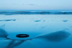 Παραλία ελαστικών αυτοκινήτου Στοκ εικόνα με δικαίωμα ελεύθερης χρήσης