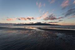 Παραλία ηλιοβασιλέματος νησιών Kapiti Στοκ εικόνα με δικαίωμα ελεύθερης χρήσης