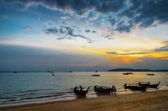 Παραλία ηλιοβασιλέματος. AO Nang, επαρχία Krabi Στοκ Εικόνες