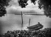 Παραλία και βάρκα στοκ εικόνες