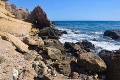 Παραλία και βράχοι στοκ φωτογραφίες