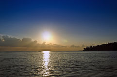 Παραλία και ηλιοβασίλεμα Στοκ Φωτογραφία