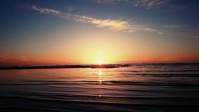 Παραλία και ουρανός ηλιοβασιλέματος Στοκ εικόνα με δικαίωμα ελεύθερης χρήσης
