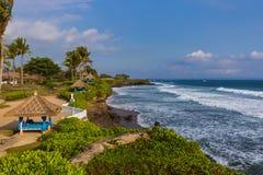 Παραλία κοντά στο ναό μερών Tanah - Μπαλί Ινδονησία Στοκ εικόνες με δικαίωμα ελεύθερης χρήσης