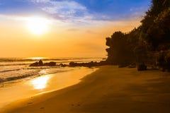Παραλία κοντά στο ναό μερών Tanah - Μπαλί Ινδονησία Στοκ Εικόνα