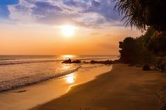 Παραλία κοντά στο ναό μερών Tanah - Μπαλί Ινδονησία Στοκ Φωτογραφία
