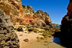 Παραλία κοντά Armacao de Pera, Αλγκάρβε, Πορτογαλία Στοκ Εικόνα