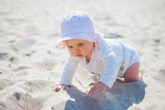 Παραλία κοριτσάκι στοκ εικόνες