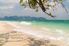 Παραλία νησιών Poda, Krabi Ταϊλάνδη Στοκ φωτογραφία με δικαίωμα ελεύθερης χρήσης