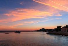 παραλία πέρα από το ηλιοβασίλεμα Στοκ φωτογραφίες με δικαίωμα ελεύθερης χρήσης