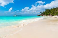 Παραλία παραδείσου - Anse Georgette σε Praslin, Σεϋχέλλες Στοκ Φωτογραφίες
