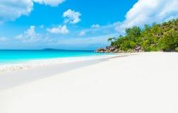 Παραλία παραδείσου - Anse Georgette σε Praslin, Σεϋχέλλες Στοκ εικόνα με δικαίωμα ελεύθερης χρήσης