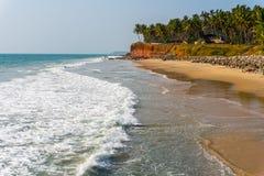 Παραλία στην Ινδία (σε ένα χωριό Edava, Κεράλα) Στοκ Φωτογραφίες