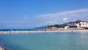 Παραλία στην παραλία στοκ εικόνα με δικαίωμα ελεύθερης χρήσης