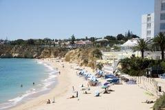 Παραλία στην περιοχή του Αλγκάρβε της Πορτογαλίας Στοκ φωτογραφία με δικαίωμα ελεύθερης χρήσης