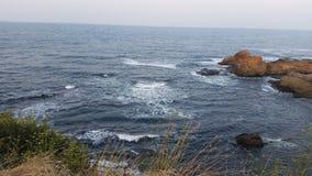 Παραλία στη Αγαθούπολη και το ηλιοβασίλεμα Στοκ εικόνα με δικαίωμα ελεύθερης χρήσης