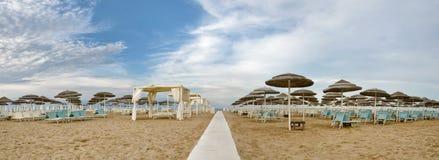 Παραλία στο rimini, Ιταλία, το καλοκαίρι με κανένα Στοκ εικόνες με δικαίωμα ελεύθερης χρήσης