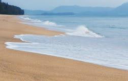 Παραλία Ταϊλάνδη της Mai Khao Στοκ εικόνες με δικαίωμα ελεύθερης χρήσης