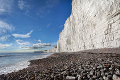 Παραλία της Gap Birling και επτά άσπροι απότομοι βράχοι αδελφών Στοκ φωτογραφία με δικαίωμα ελεύθερης χρήσης