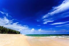 Παραλία της Mai Khao, Phuket, Ταϊλάνδη Στοκ Φωτογραφία