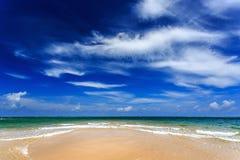 Παραλία της Mai Khao, Phuket, Ταϊλάνδη Στοκ φωτογραφίες με δικαίωμα ελεύθερης χρήσης