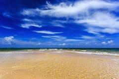 Παραλία της Mai Khao, Phuket, Ταϊλάνδη Στοκ εικόνες με δικαίωμα ελεύθερης χρήσης
