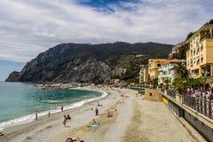 Παραλία, φοράδα Al Monterosso, Cinque Terre, Ιταλία Στοκ εικόνα με δικαίωμα ελεύθερης χρήσης