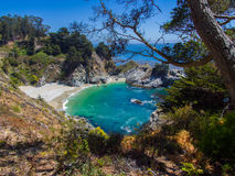 παραλία δύσκολη Καλιφόρνια στοκ φωτογραφία με δικαίωμα ελεύθερης χρήσης