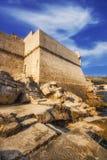 Παραλία Buza έξω από τους παλαιούς πόλης τοίχους Dubrovnik Στοκ Εικόνα