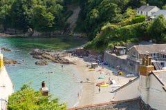 Παραλία Cawsand Κορνουάλλη Αγγλία Ηνωμένο Βασίλειο στη χερσόνησο Rame που αγνοεί τον ήχο του Πλύμουθ Στοκ Φωτογραφία