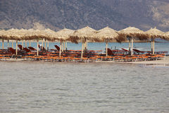 Παραλία Elafonisi στην Κρήτη παραλιών λεπτό λευκό ύδατος άμμου τυρκουάζ Ελλάδα Στοκ φωτογραφίες με δικαίωμα ελεύθερης χρήσης